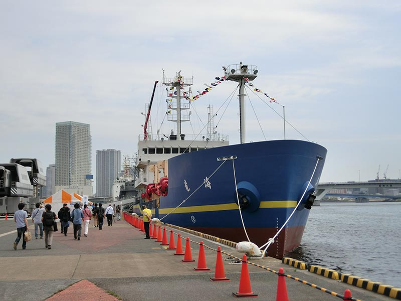 しゅんせつ船「海竜」