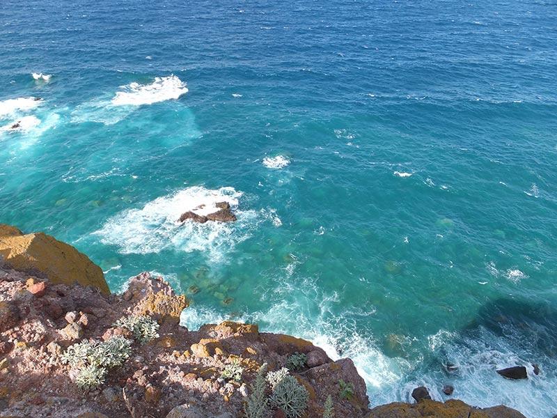 積丹ブルーの海