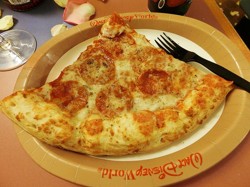 購入したピザ