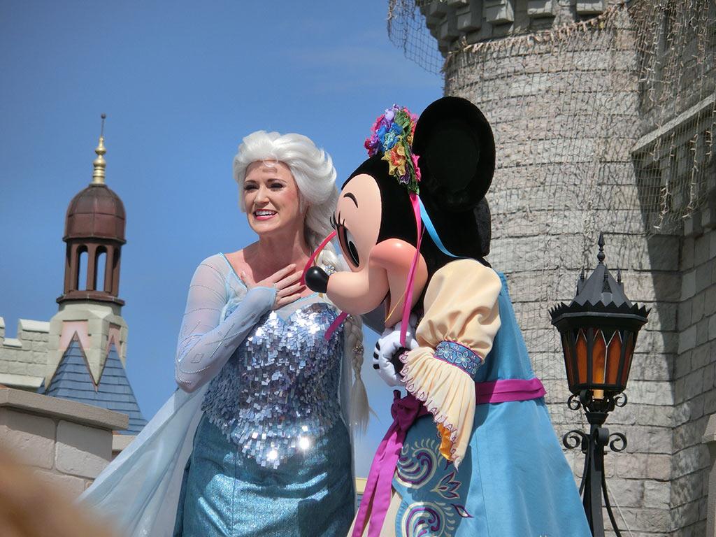 エルサとミニーちゃん