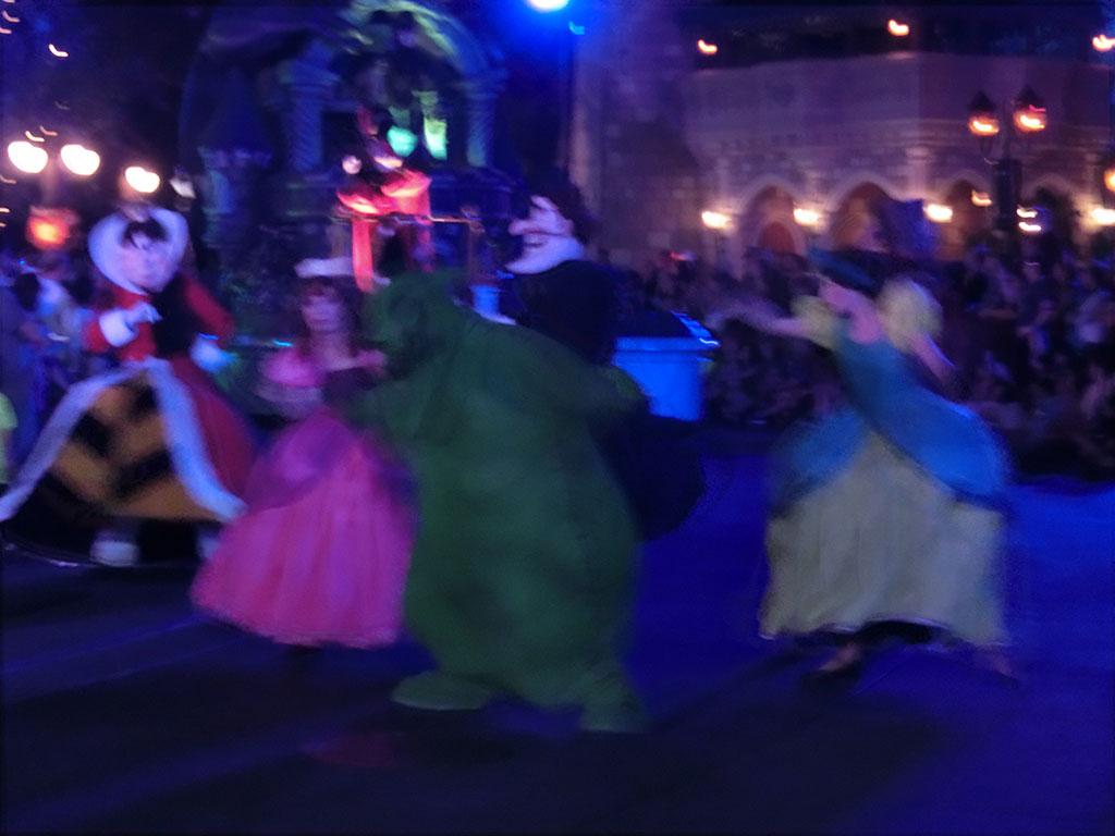 踊るヴィランズ…ブレブレですみません