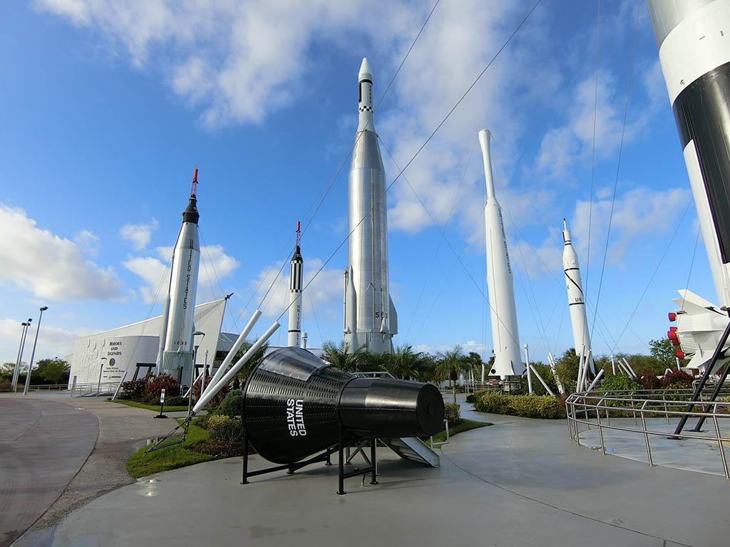 たくさんのロケット?