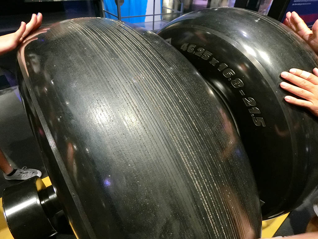 展示物:タイヤ