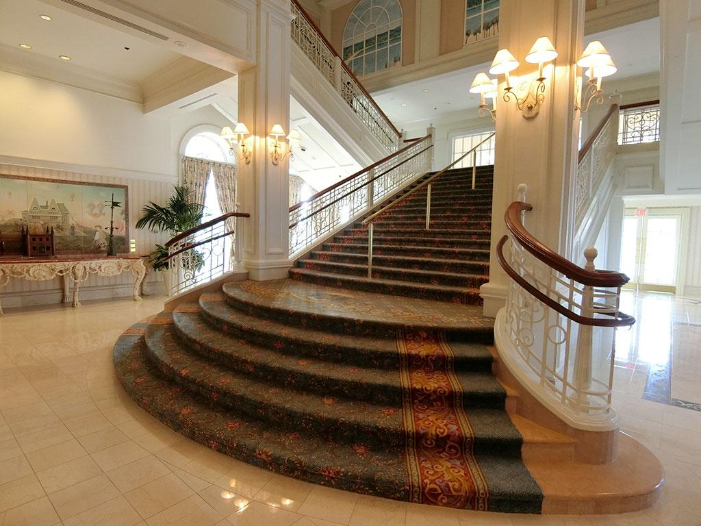 お城のような階段